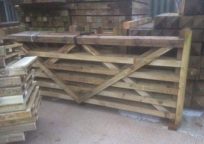 wrexham-garden-fencing-and-decking-supplier-017