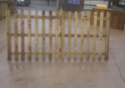 wrexham-garden-fencing-and-decking-supplier-020