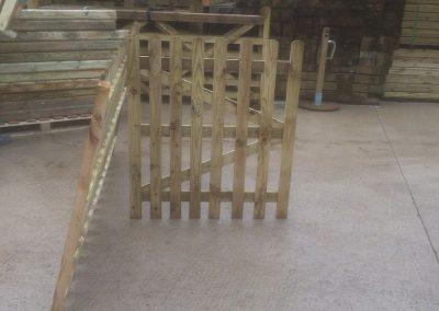 wrexham-garden-fencing-and-decking-supplier-021