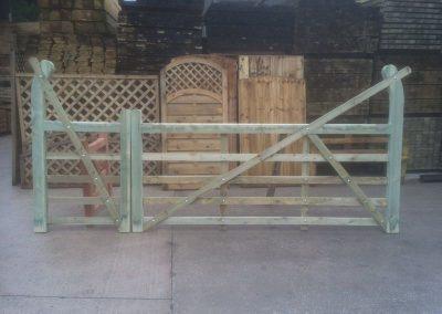 wrexham-garden-fencing-and-decking-supplier-023