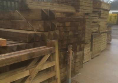 wrexham-garden-fencing-and-decking-supplier-005