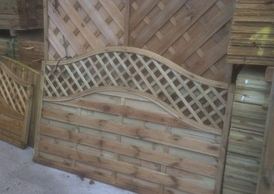 wrexham-garden-fencing-and-decking-supplier-010
