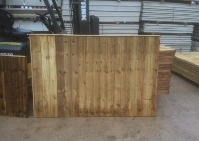 wrexham-garden-fencing-and-decking-supplier-016