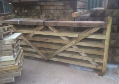 wrexham-garden-fencing-and-decking-supplier-017